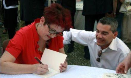 Davanti alla Porta Rossa, debutto letterario per la parrucchiera-scrittrice