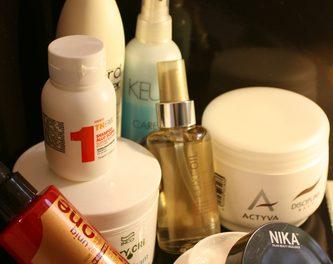 Consigli per districare il capelli e migliorare la vita di parrucchiere e cliente
