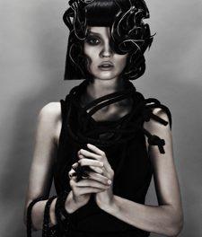 Moda capelli 2012/13: le dark star di Antoinette Beenders