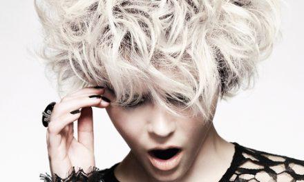 Moda capelli: la modella protagonista di bellezza per Hooker&Young