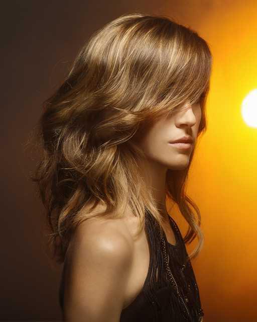 Moda capelli parrucchieri P/E 2013: belle sotto il sole per Raffel Pages