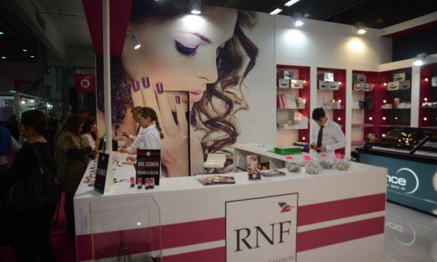Royal Nail Fashion – ricostruzione delle unghie e make up