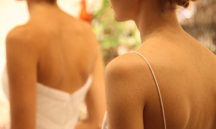 Moroccan Oil cura l'hair style delle collezioni sposa Badgley Mischka e Monique Lhuillier
