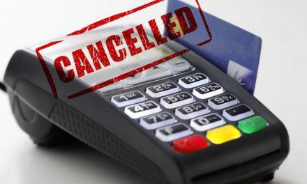 Emendamento cancella il bancomat obbligatorio nei negozi