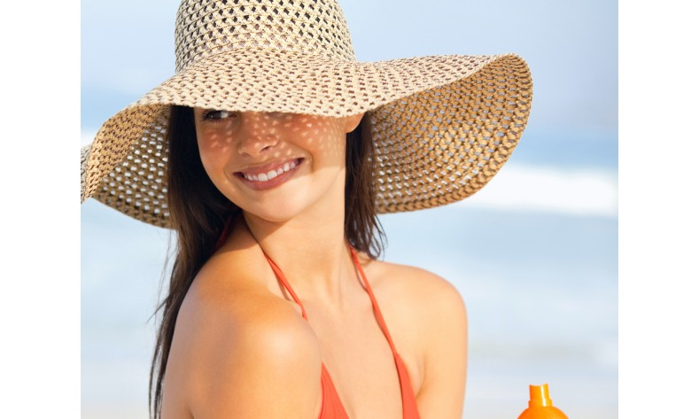 Proteggi i tuoi capelli dal sole e dal mare: ecco i 5 step da seguire