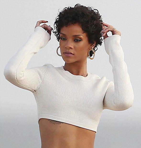 La semplicità ti fa bella: Rihanna.