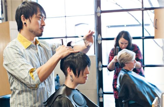 Saloni Parrucchieri in Italia: su 103 mila, il 7,5% sono stranieri!