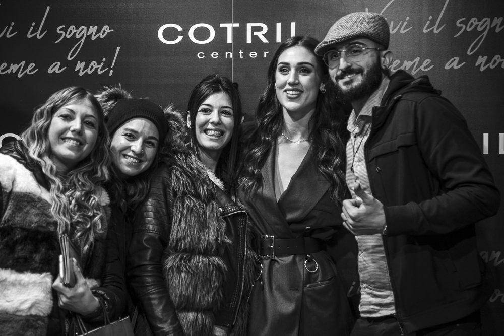 COTRIL CENTER PORTA IL RED CARPET A ON HAIR