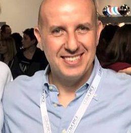 L'amministratore delegato Alberto Montecroci lascia Parrucchierando