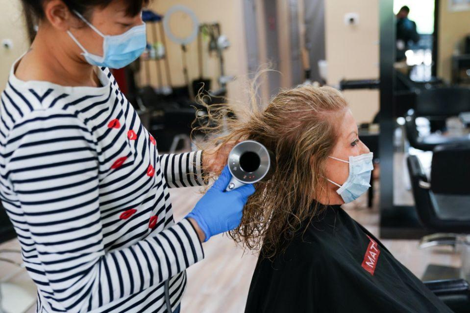 La regione Marche: parrucchieri (forse) riaprono il 14 maggio