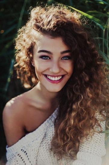Tendenze capelli: ricci naturali