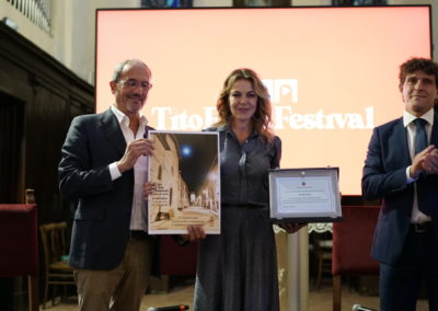 Il Nipote di Tito Marconi, Il sindaco di Costacciaro consegna a Claudia Gerini una targa della Città